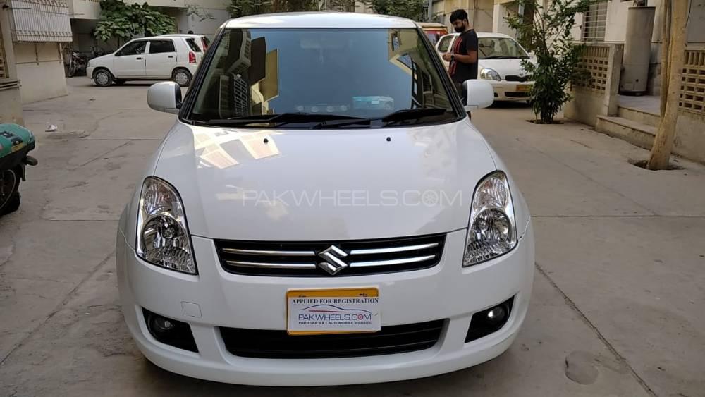 Suzuki Swift DLX Automatic 1.3 2020 Image-1