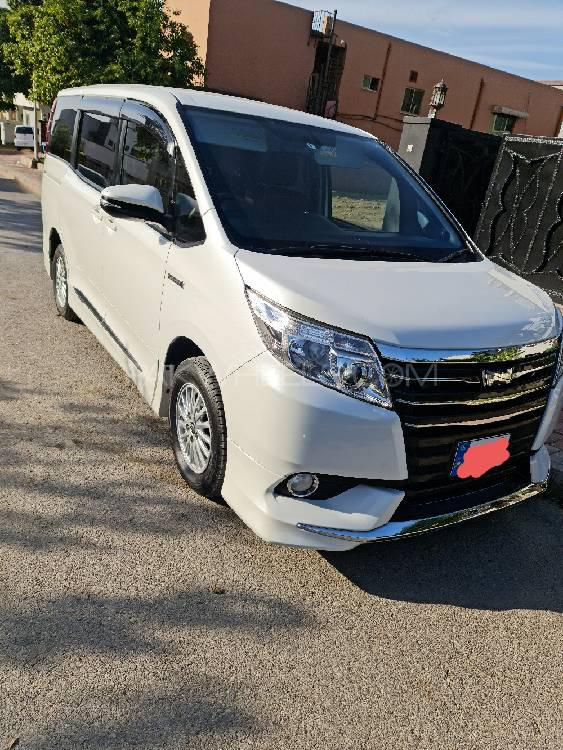 Toyota Noah 2014 Image-1