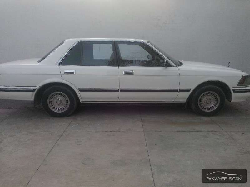 Toyota Crown Royal Saloon 1988 Image-5