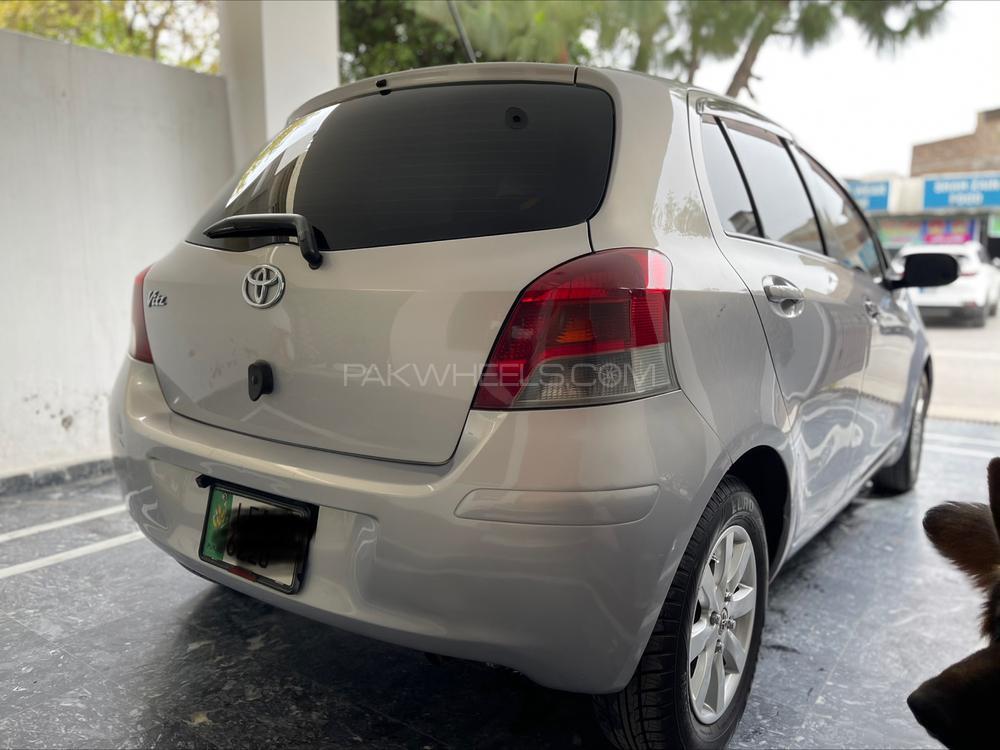 Toyota Vitz F 1.3 2008 Image-1