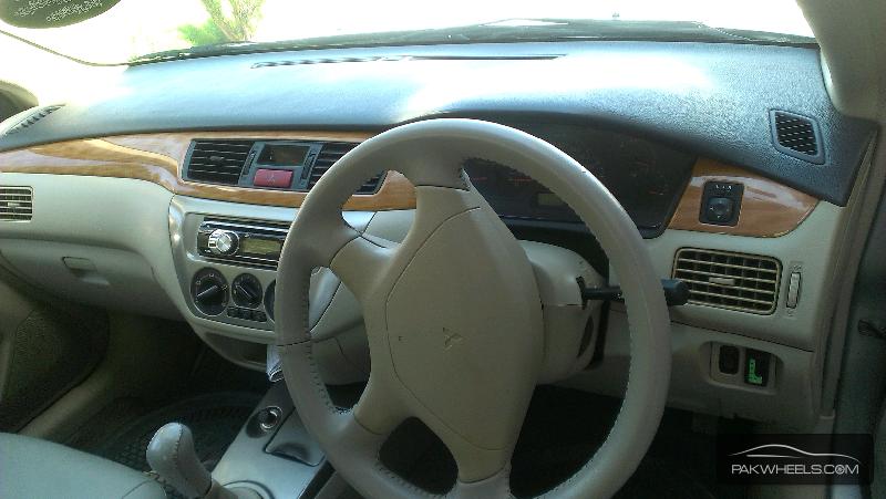Mitsubishi Lancer GLX 1.6 2006 Image-2