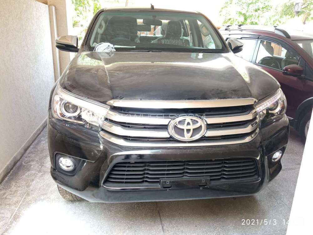 Toyota Hilux 4x4 Double Cab Standard 2021 Image-1