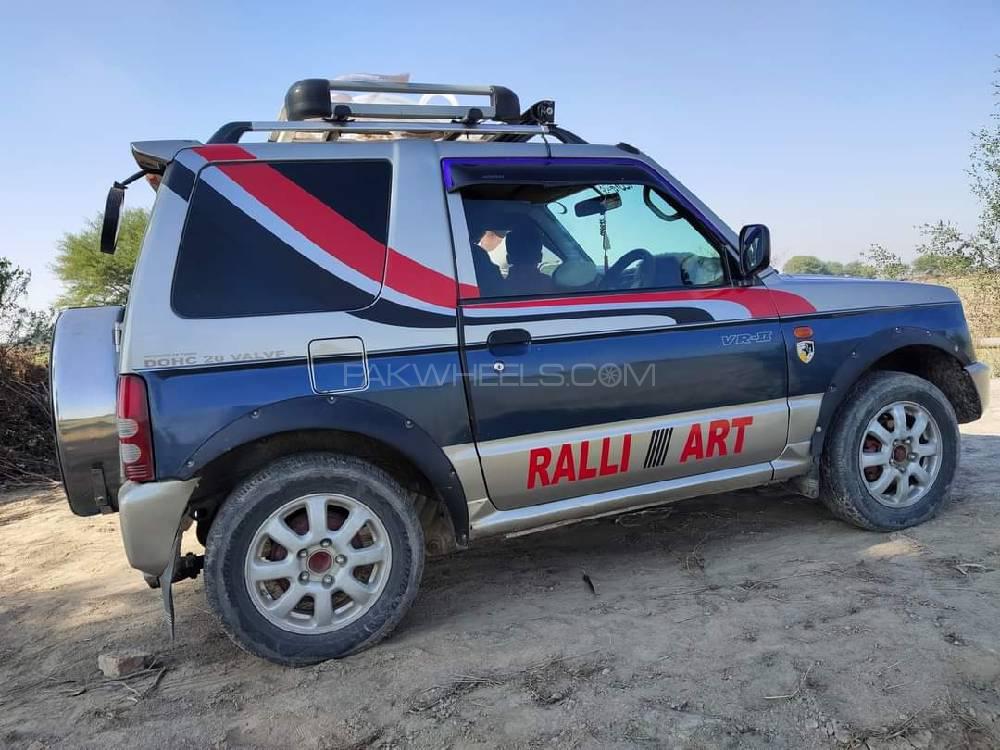 Mitsubishi Pajero Mini VR 1999 Image-1