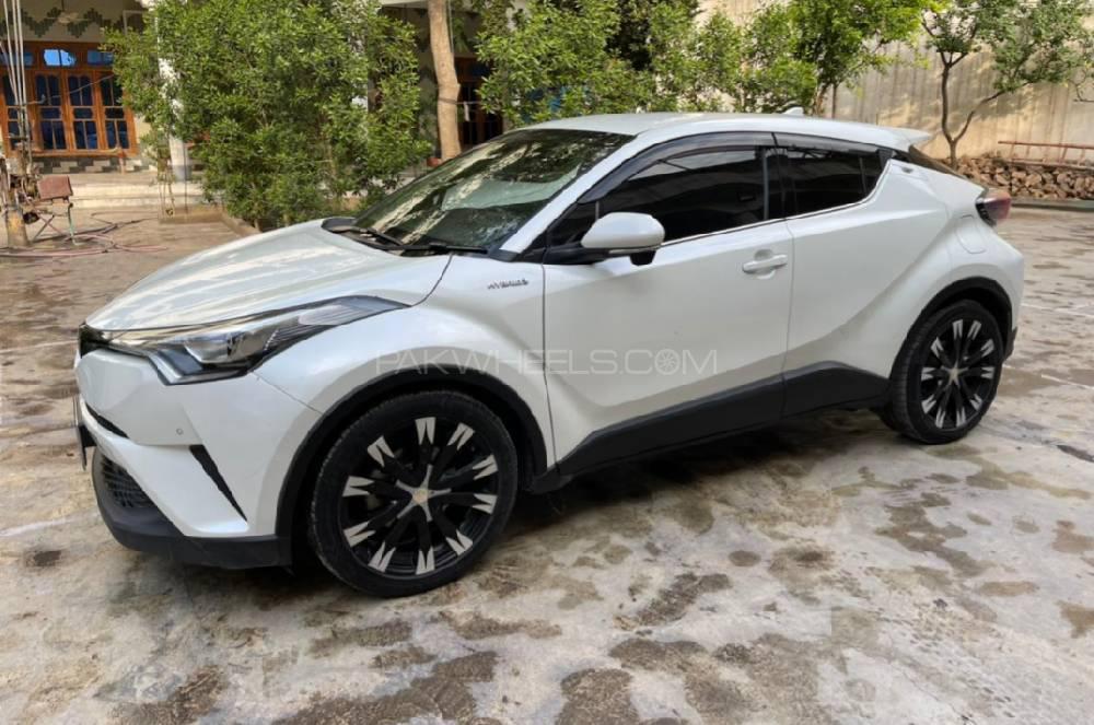 Toyota C-HR 1.8 Hybrid 2021 Image-1