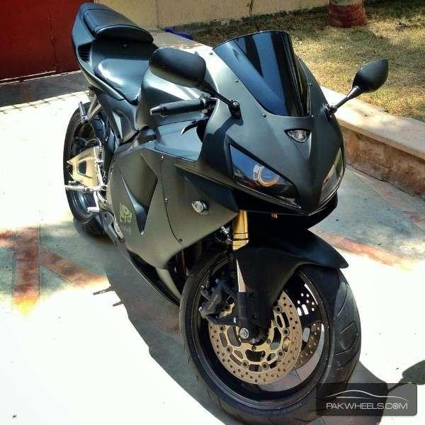 used honda cbr 600rr 2006 bike for sale in karachi 124246 pakwheels. Black Bedroom Furniture Sets. Home Design Ideas