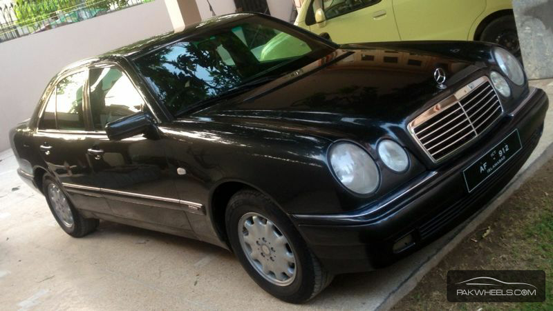 Used mercedes benz e class e230 2000 car for sale in for 2000 mercedes benz e class e320