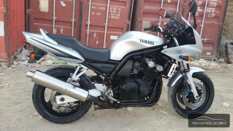 2003 Yamaha Fz6 Fzs600 £2,995