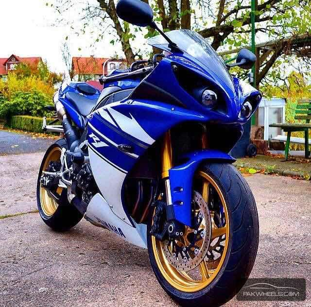 used yamaha yzf r1 2009 bike for sale in lahore 133576 pakwheels. Black Bedroom Furniture Sets. Home Design Ideas