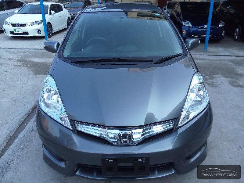 used honda fit hybrid 2012 car for sale in lahore 1070417 pakwheels. Black Bedroom Furniture Sets. Home Design Ideas
