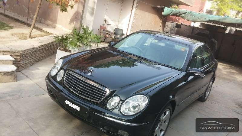 Used mercedes benz e class 2005 car for sale in lahore for Mercedes benz 2005 for sale