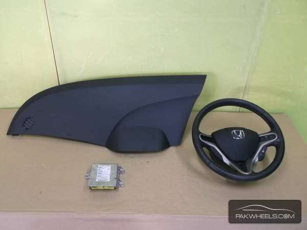 honda fit hybrid 2012 air bags  Image-1