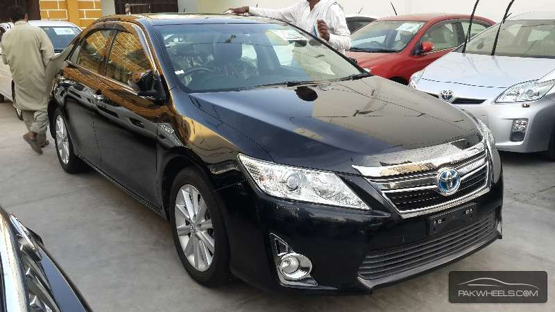 used toyota camry hybrid g package 2011 car for sale in karachi 1087208 pakwheels. Black Bedroom Furniture Sets. Home Design Ideas