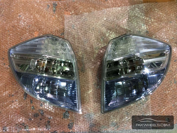honda fit back light pair For Sale Image-1