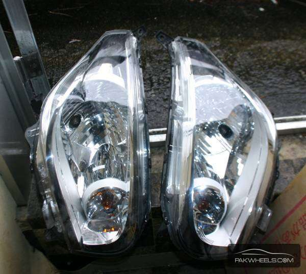 Nissan dayz head light pair For Sale Image-1