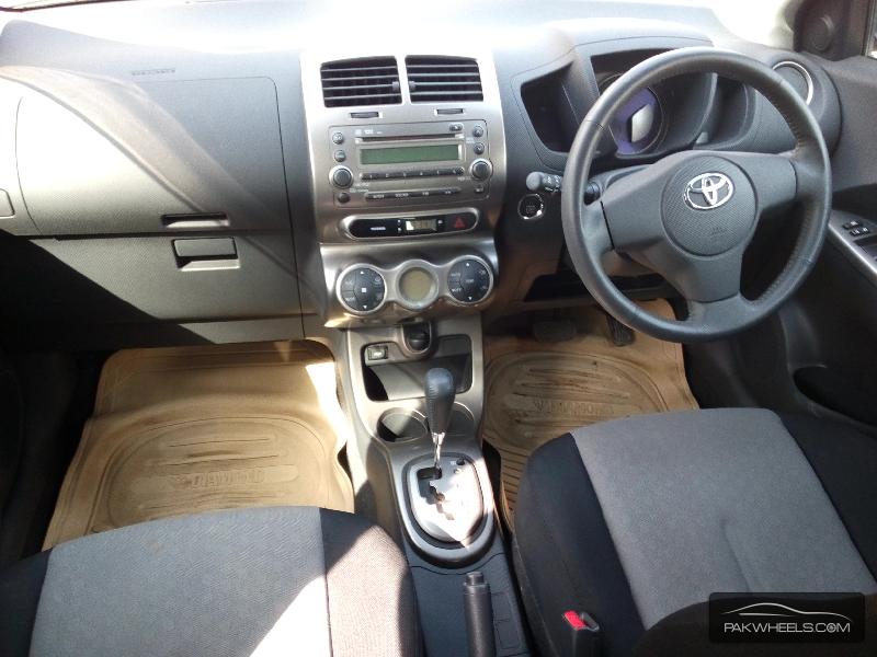 Toyota IST 2010 Image-3