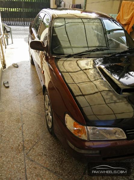 Toyota Corolla XE-G 1999 Image-2