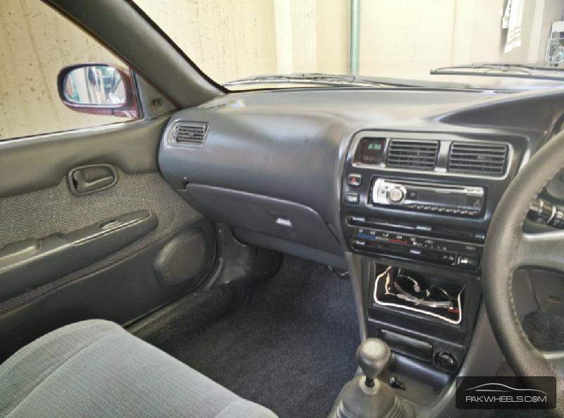 Toyota Corolla XE-G 1999 Image-7
