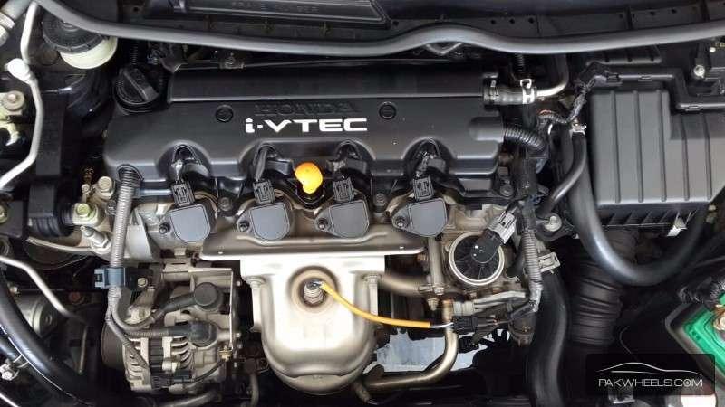 Honda Civic VTi Oriel Prosmatec 1.8 i-VTEC 2010 Image-4
