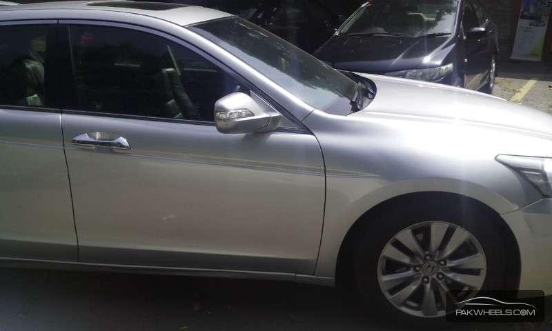 Honda Accord VTi 2.4 2011 Image-4