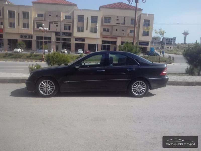Used mercedes benz c class c 180 komp 2006 car for sale in for Mercedes benz c class 2006 for sale