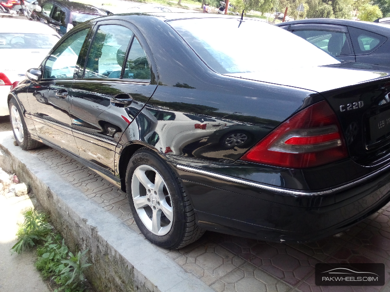 used mercedes benz c class c 220 cdi 2005 car for sale in islamabad 1159751 pakwheels. Black Bedroom Furniture Sets. Home Design Ideas