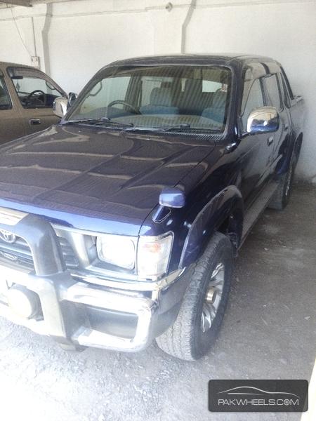 Toyota Hilux 2000 Image-2