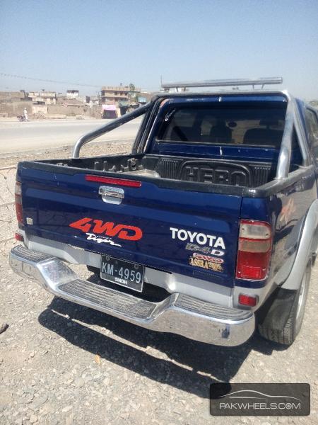 Toyota Hilux D-4D 2003 Image-4