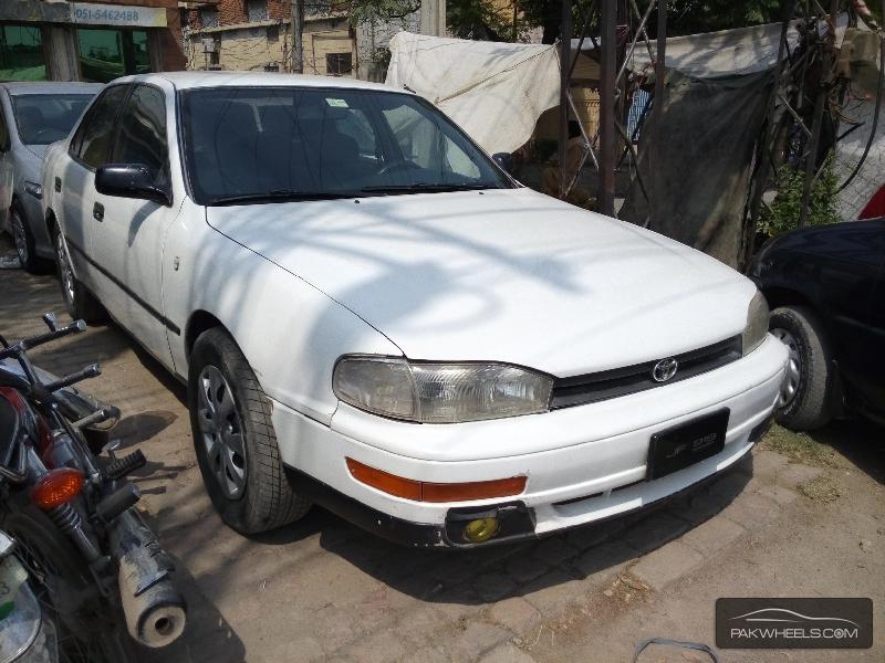 Toyota Camry 1992 Image-2
