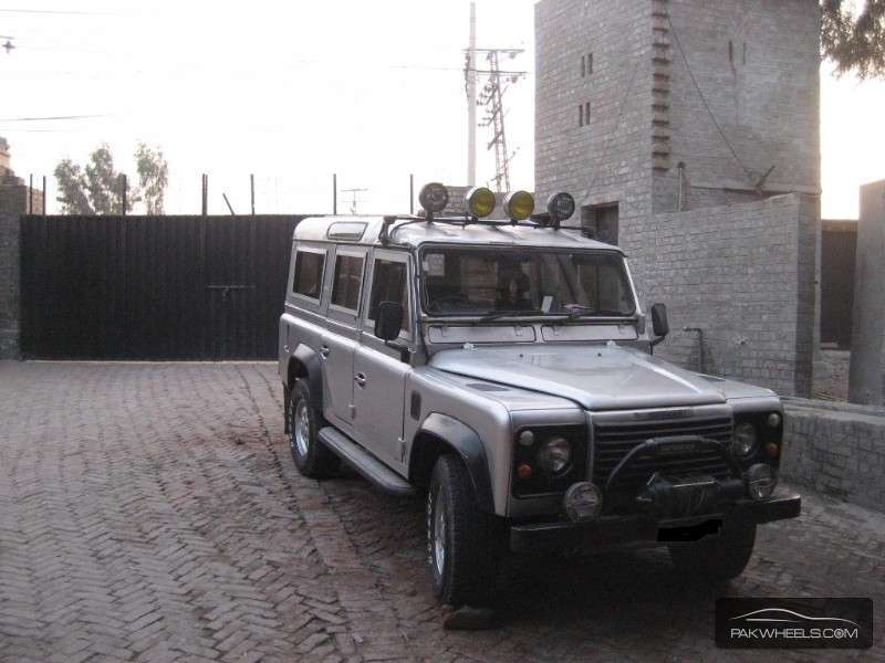 land rover defender 110 sw 1970 for sale in lahore pakwheels. Black Bedroom Furniture Sets. Home Design Ideas
