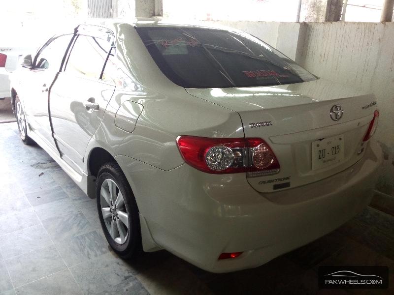 Toyota Corolla Altis 1.6 2013 Image-3