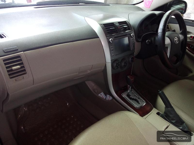 Toyota Corolla Altis 1.6 2013 Image-6