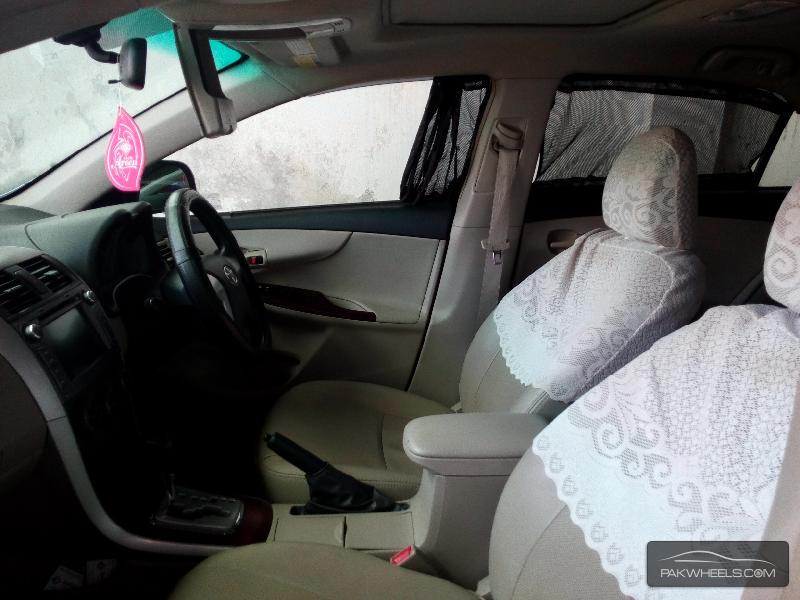 Toyota Corolla Altis 1.6 2013 Image-7
