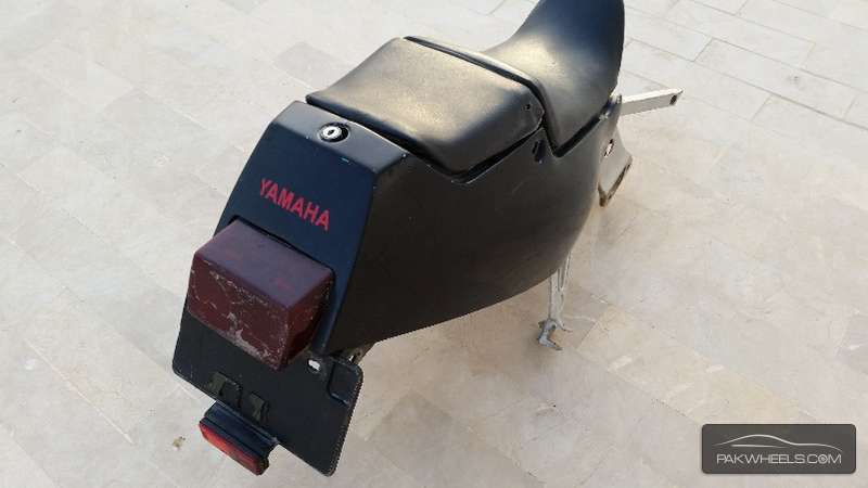 Yamaha FZR-400 (1990 - 1996) Complete Tail For Sale Image-1