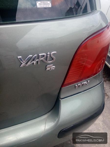 Toyota Yaris 2003 Image-5