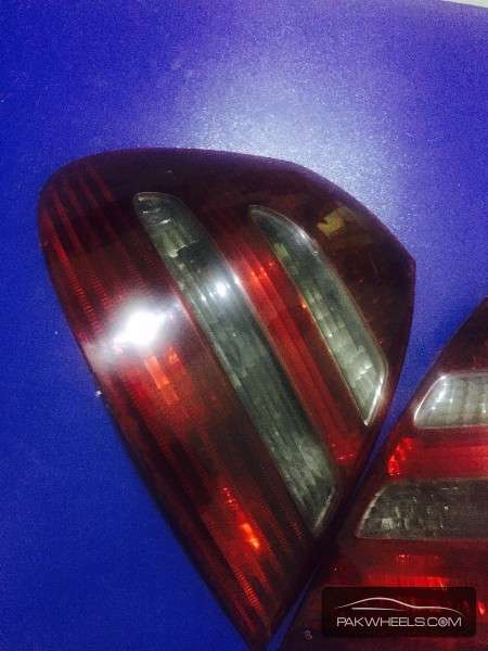 Mercedes E class Rear Lights Image-1