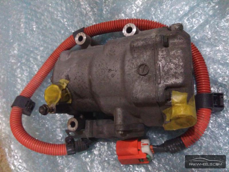 Toyota Prius 1500cc AC compressor For Sale Image-1