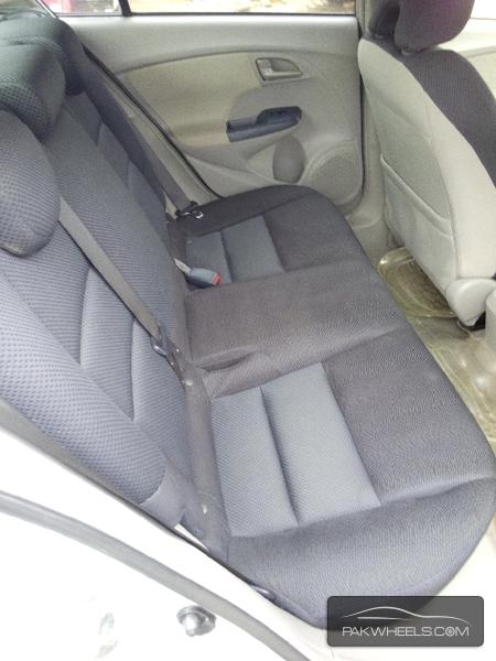 Honda Insight 2011 Image-5