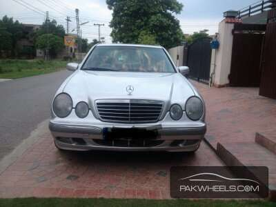 mercedes benz e class e220 cdi 2000 for sale in lahore pakwheels. Black Bedroom Furniture Sets. Home Design Ideas