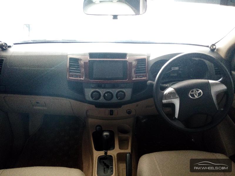 Toyota Hilux Vigo Champ G 2014 Image-5
