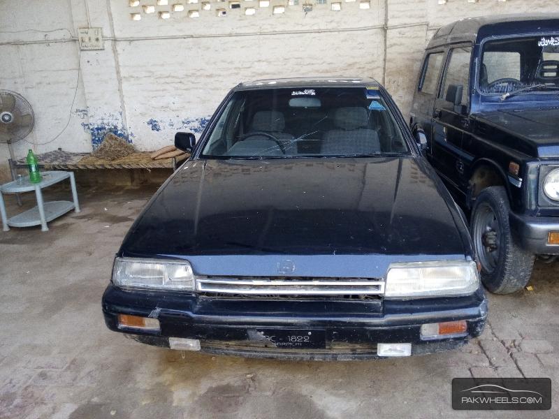 Honda Accord VTi 2.4 1986 Image-1