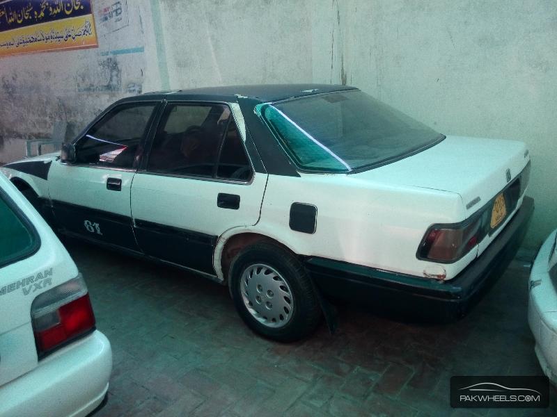 Honda Accord 1988 Image-4