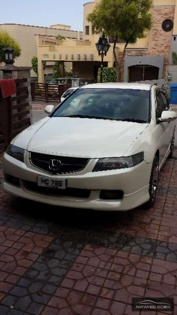 Honda Accord CL9 2002 Image-1