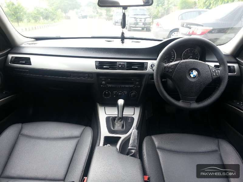BMW 3 Series 320i 2006 Image-6