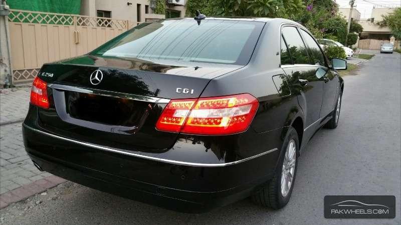 Mercedes Benz E Class E250 2011 Image-4