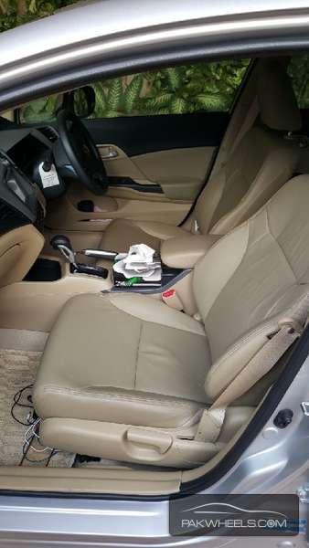Honda Civic VTi Oriel Prosmatec 1.8 i-VTEC 2014 Image-4