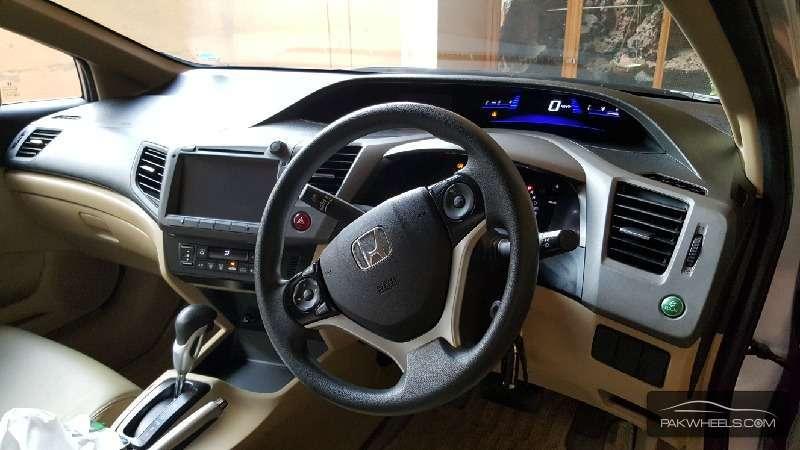 Honda Civic VTi Oriel Prosmatec 1.8 i-VTEC 2014 Image-7