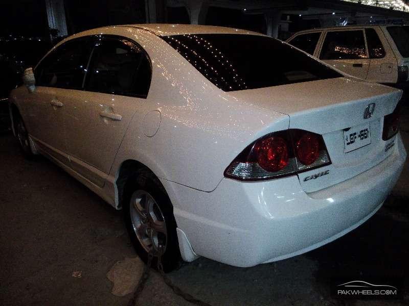 Honda Civic VTi Oriel 1.8 i-VTEC 2008 Image-3