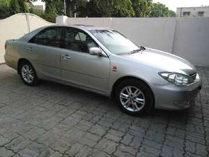 Slide_toyota-camry-2-4-up-specs-automatic-2005-8782094