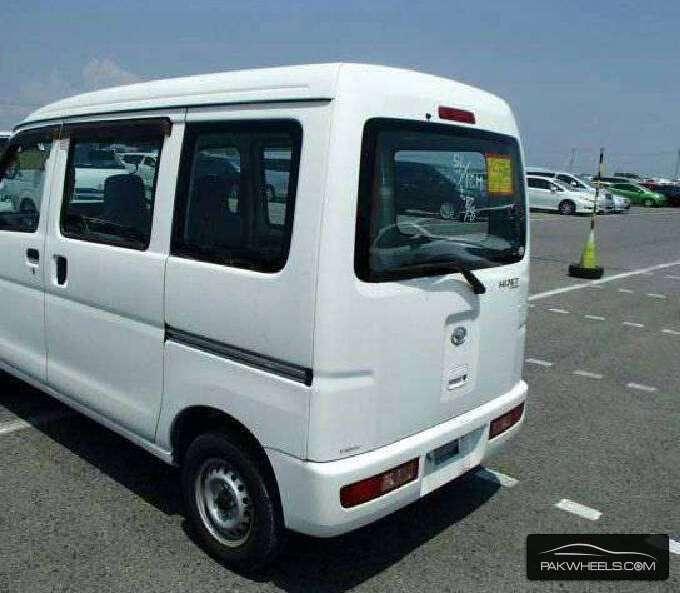 Daihatsu Hijet 2013 Image-2