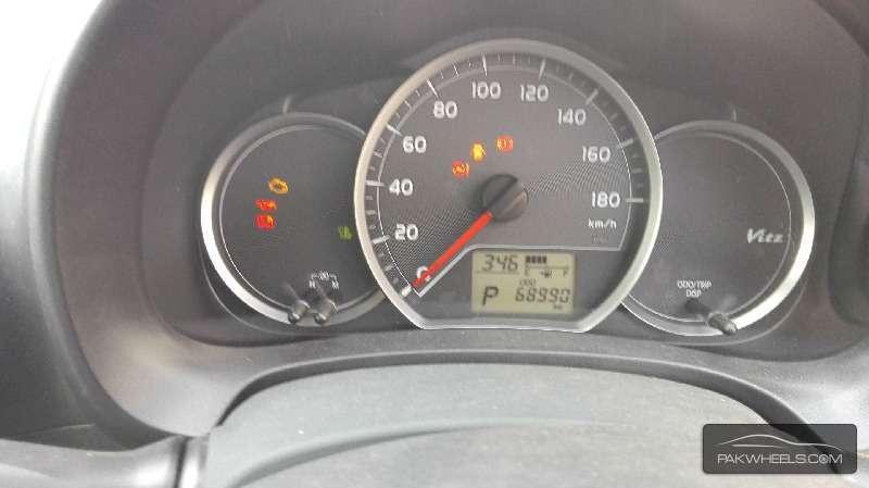Toyota Vitz FL 1.0 2012 Image-4